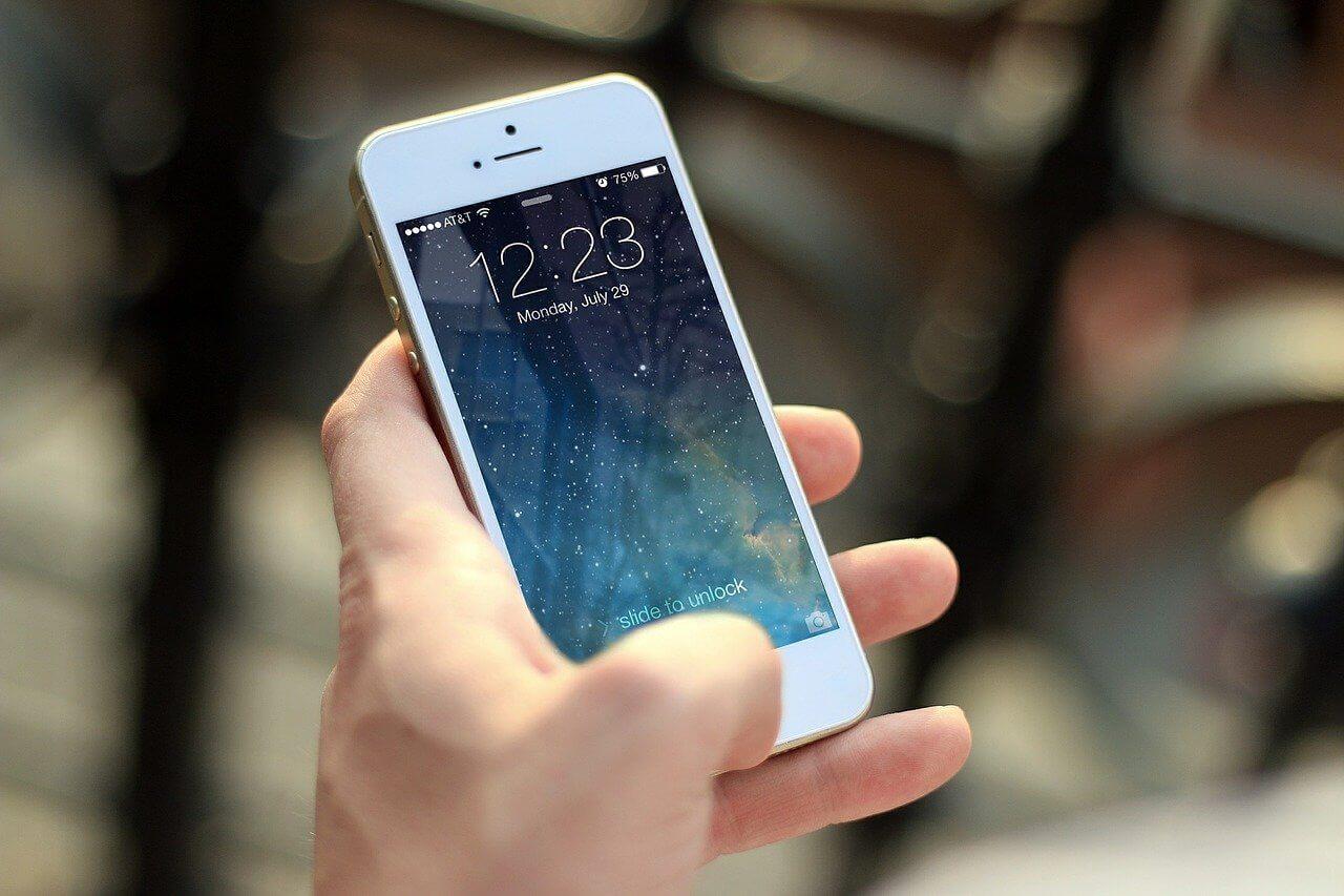 Tecnología: iPhone (más de 2.000 millones)